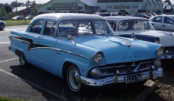 Bill Mill 58 Star Model Sedan
